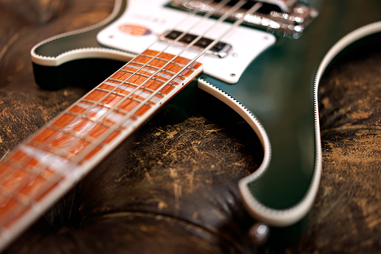news_753_rickenbacker_british_green_3.jpg
